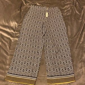 Max Studio gorgeous light weight flowy pants NWT
